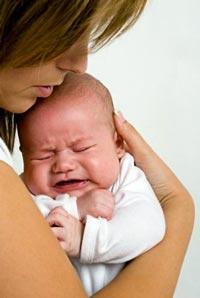 причини за бебешкия плач и защо бебето плаче