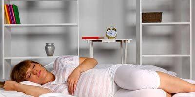 най - добрите позиции за заспиване по време на бременността