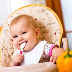 хранене на 11 месечно бебе