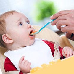хранене на 12 месечно бебе