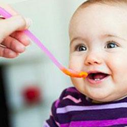 хранене на 9 месечно бебе