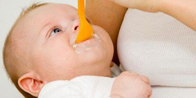 захранване на бебе на 4 месеца