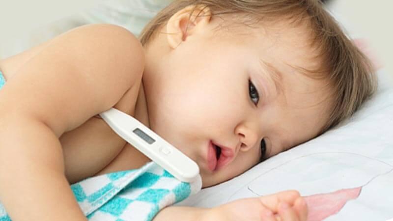 как се мери температура на бебе
