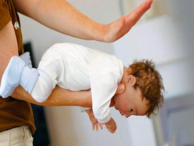 задавяне на бебе